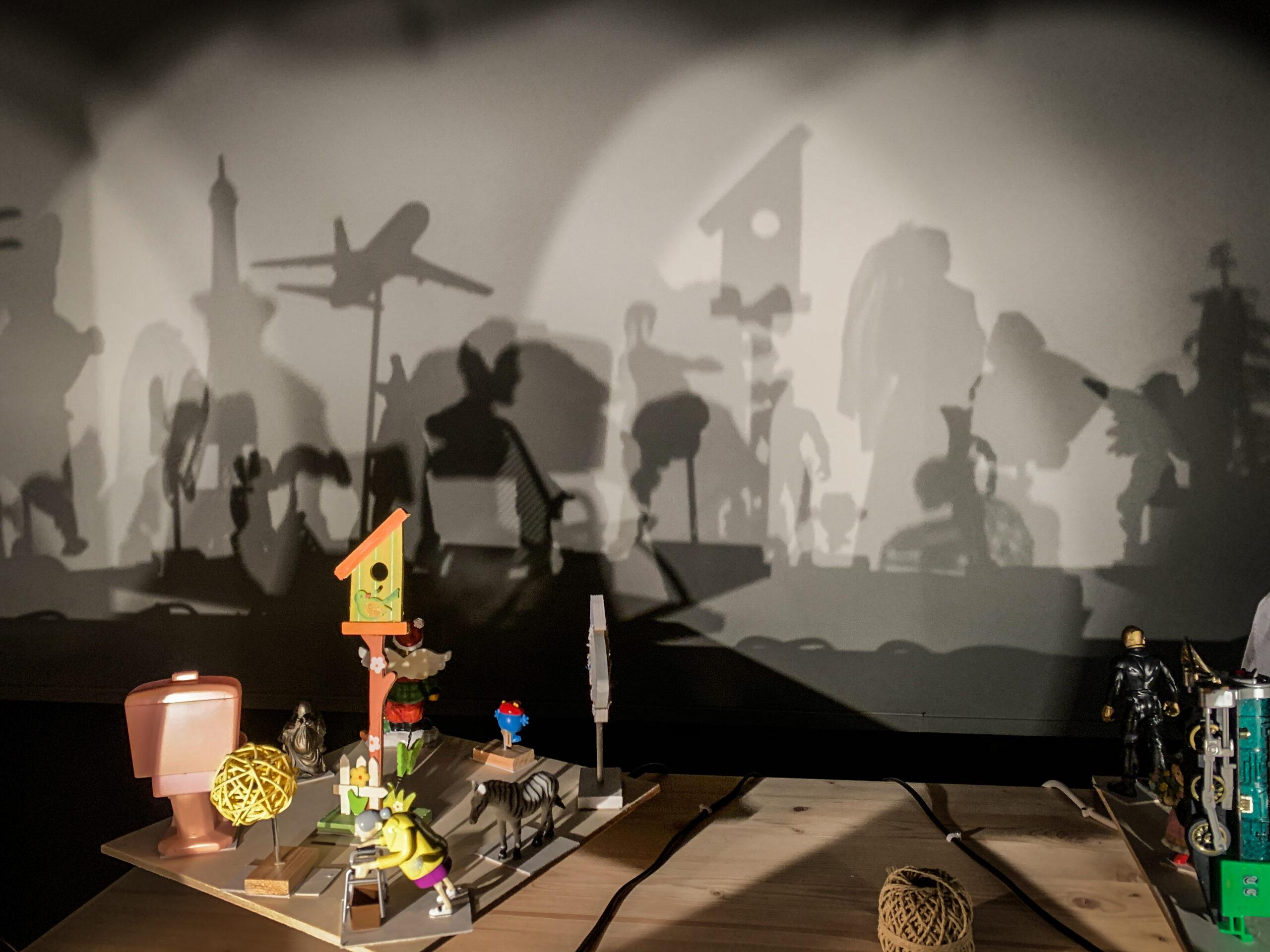 Eugène Frey il teatro delle ombre in mostra a Villa Paloma (ph. Antonella Fava)