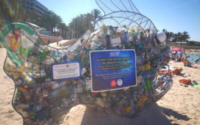 Le poisson pédagogique in spiaggia a Cannes